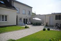 Maison moderne claire et spacieuse avec jardin sur Voie Verte à Sedan. Accueil Motards - Glaire - Ardennes