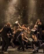 "Center Athena - Dance concert disconcerting ""L'Homme d'Habitude"""