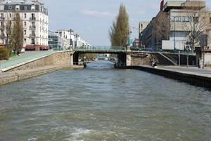 Croisière sur le canal de l'Ourcq avec franchissement de l'écluse de Flandre