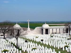 Loos-en-Gohelle - Monuments et Patrimoine culturel - Mémorial de Loos et cimetière du Dud Corner