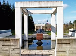 Souchez - Monuments et Patrimoine culturel - Mémorial départemental en hommage aux militaires morts pour la France en Algérie, Maroc et Tunisie