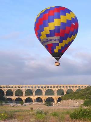 Les Montgolfières du Sud - vol au dessus du Pont du Gard