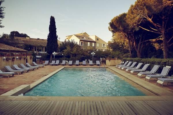 La Ferme d'Augustin - la piscine