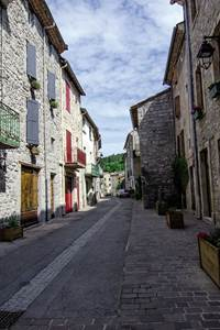 """Génolhac, une cité médiévale au pied du Mont Lozère""""."""
