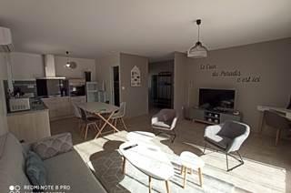 Maison indépendante avec piscine et terrasse