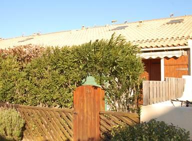 Villa / 4 personnes / VILLAGE DE LA GRANDE BLEUE