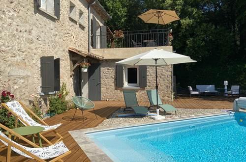 accès terrasse piscine ©
