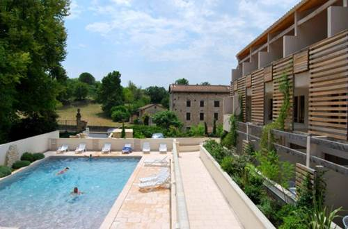 Residence GRAND BLEU LA CLOSERIE Piscine ©