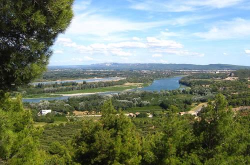 Panorama sur le Rhône depuis l'Abbaye Saint-Roman ©