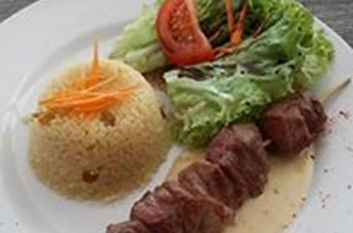 menu brochette d'agneau © l'olivaie de coste belle