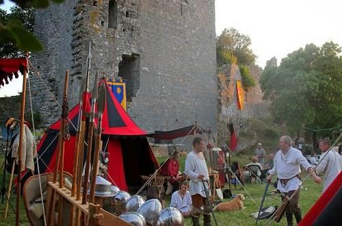 Fête médiévale au Château d'Allègre ©