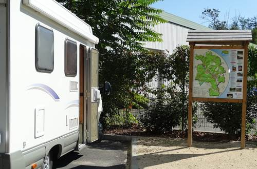 BRANOUX LES TAILLADES aire de camping-cars  ©