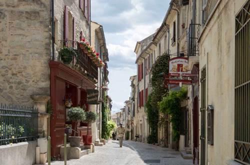Rue la grande bourgade Uzès © DROUIN Gérald