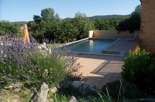 JOUR APRES JOUR AU MAS D'ALZAS piscine © COLL Bernard
