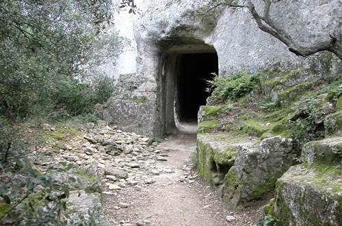 Sernhac, sur le chemin de l'aqueduc - Le tunnel ©