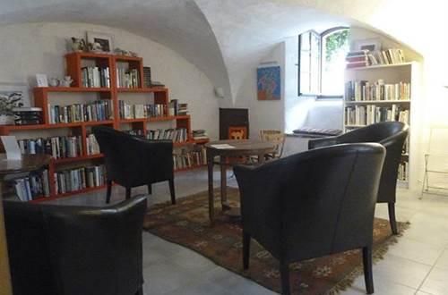 Salon de thé Teapotes Bibliothèque  ©