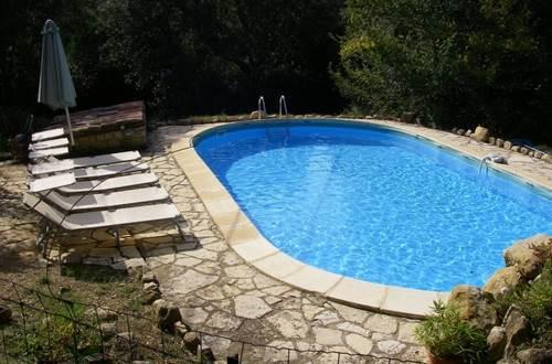 a_fil_de_soi_piscine_1_-_vezenobres_en_800 ©