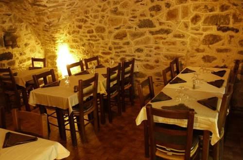 Salle restaurant la vialle ©