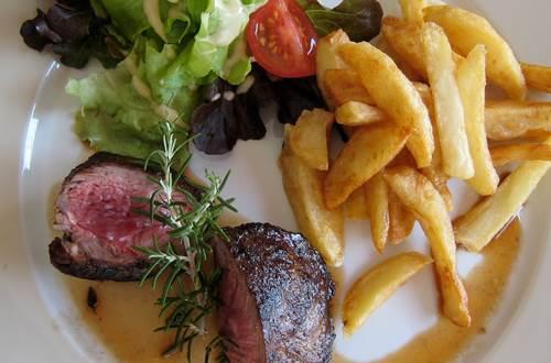 pouzilhac;gard;restaurant © Deschamps