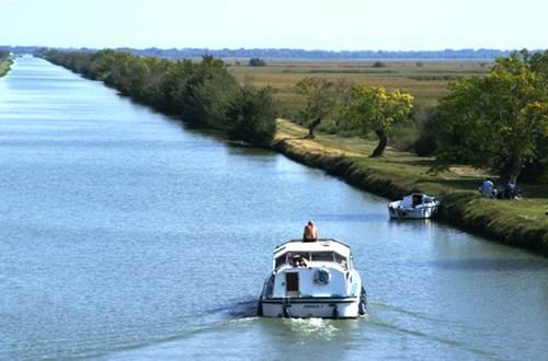 En croisière sur le canal du Rhône à Sète ©