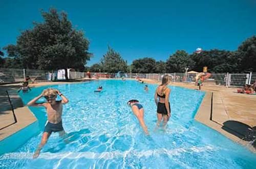 camping gorges du gardon avec piscine ©
