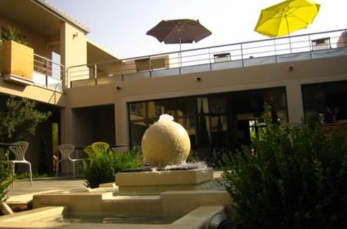 Hôtel restaurant le patio de violette à uzès © Hôtel Patio de Violette