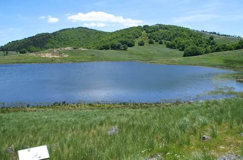 Le Lac ds Pises en Cévennes ©