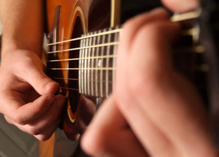 Guitare Quai de Jemmapes