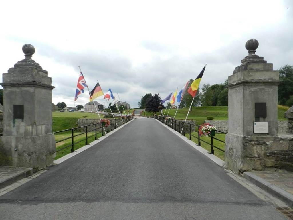 le Pont de France une des entrées de la ville